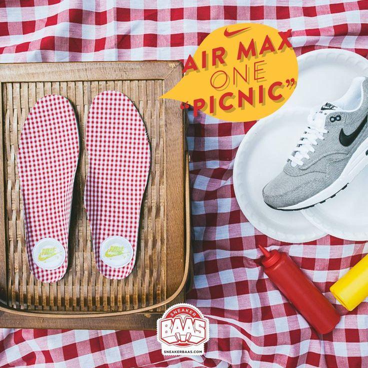 "#nike #airmaxone #nikepicknick #sneakerbaas #baasbovenbaas #nikepremium  Nike Air Max 1 Premium ""Picknick"" - priced at € 139,95  For more info about your order please send an e-mail to webshop #sneakerbaas.com!"