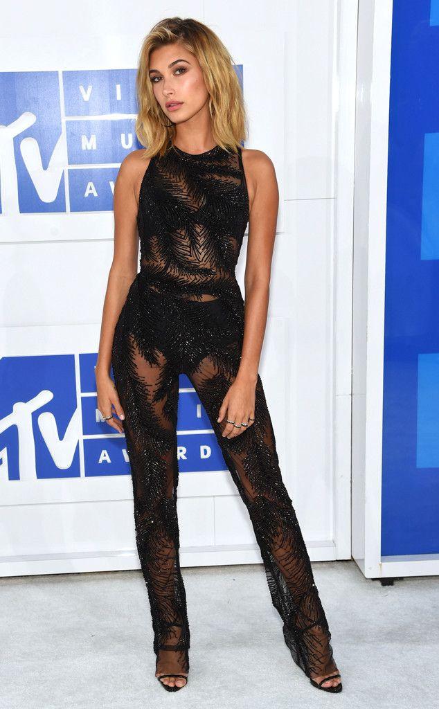 • Hailey Baldwin from MTV Video Music Awards 2016 Red Carpet Arrivals | E! Online •