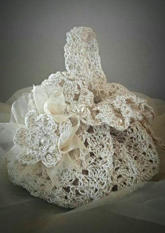 Petalsprattle - Crochet wedding wrist clutch bag