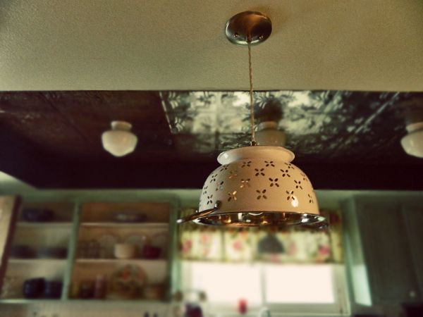 DIY Instructions For A Collander Pendant Light   Love This!!! Making Me One