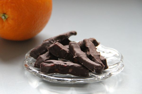 Syltet appelsinskall med sjokolade
