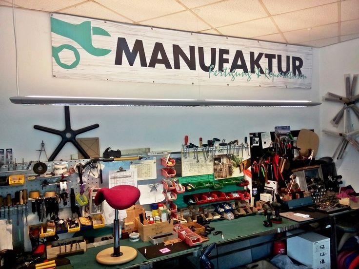 Die Werkbank ist das Herz unserer Manufaktur. Hier wird gebaut und repariert, was das Zeug hält. #derdrehstuhl