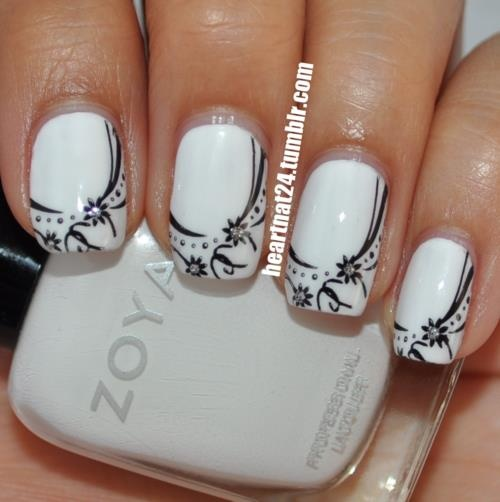 Black and white mani