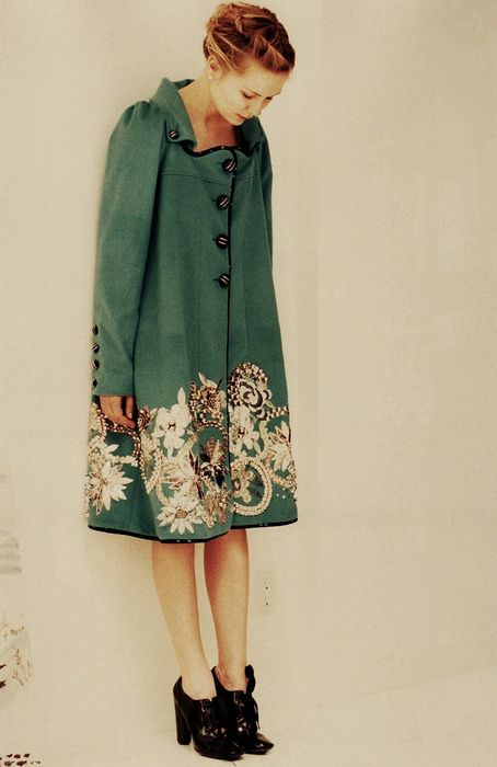 love the details on this lovely green coat!! Kirsten Dunst for Lula