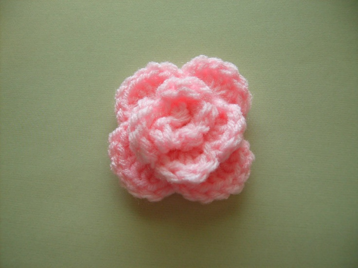 Small Rose Flower Crochet Pattern : 25+ best Crochet roses ideas on Pinterest Easy crochet ...