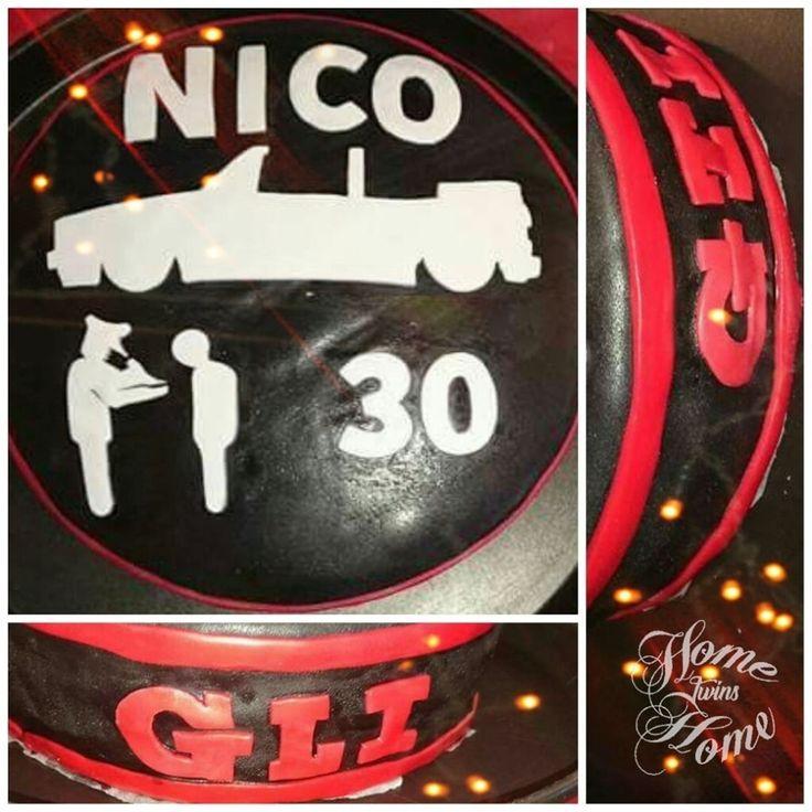 Cake design molly cake VW golf 1 cabriolet  #gâteau #cake #pateasucre #anniversaire #birthday #cakedesign #baker #baking  #mollycake #vanille #chocolat #chocolate #VW #Volkswagen #car #golf #mk1 #golf1 #cab #gti