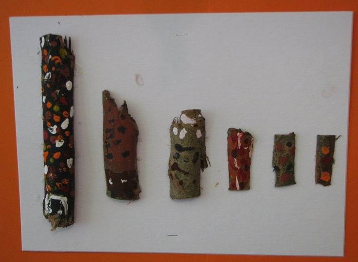 Bark painting at Kindergarten 2  http://www.australianativeart.com/kids-art/#