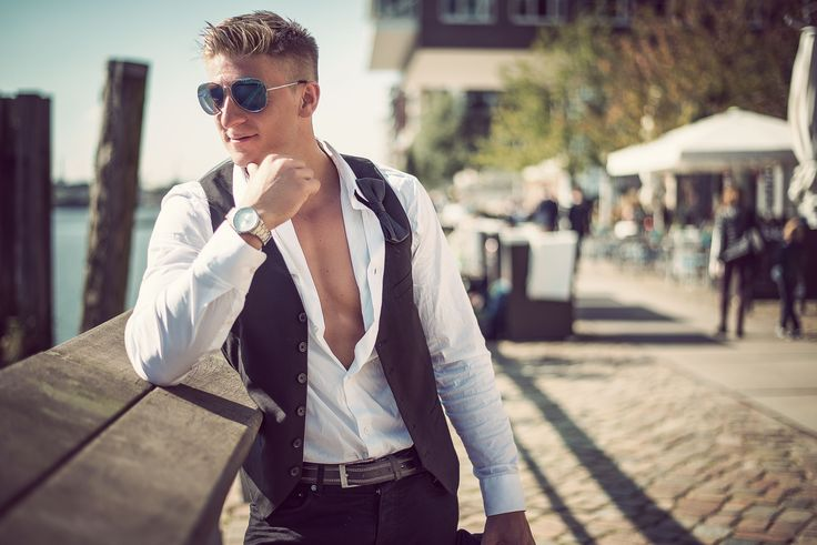 Male Model Fashion City Photoshooting: Robyn Location: Hamburg / Germany