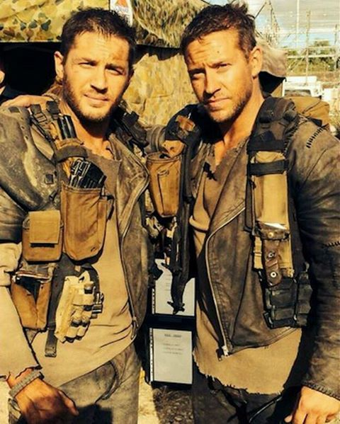 Tom with his stunt double Jacob Tomuri on the set of Mad Max Fury Road 😍😍 Tom, Çılgın Max setinde dublörü Jacob Tomuri ile bir fotoğrafı 😍😍 Sizce birbirlerine benziyorlar mı?  #tomhardy #and #his #stuntdouble #jacobtomuri #gorgeous #talented #adorable #awesome #cute #sweet #pretty #handsome #man #muhteşem #yetenekli #tatlı #şirin #bir #adam #hardyfamily #turkish #fan