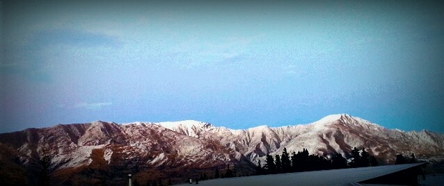 Cold start to the day in Wanaka, Central Otago.