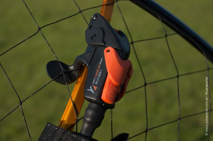 Le Cameleon AEF (Throttle system for PPG & UL) http://parapente.com.ar/ir/?d21392 http://parapente.com.ar/ir/?6f6343