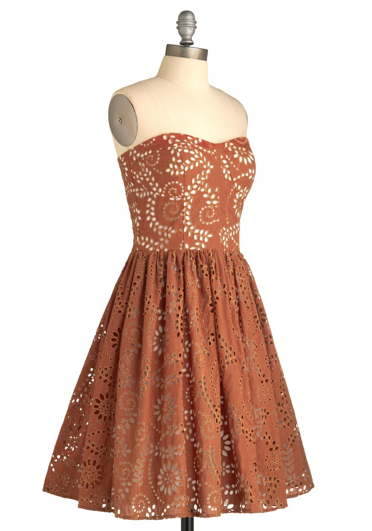 love this dress.... and its burnt orange ;)