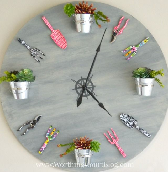 How to make a garden clock from an old table top