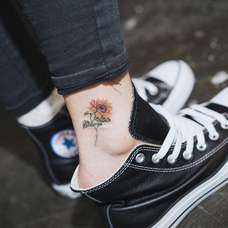 """""""해바라기☀️ . Sunflower…"""