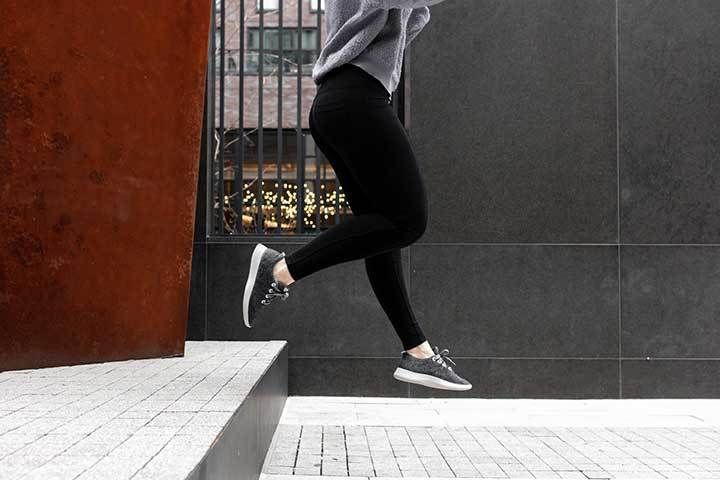 Leggings Outfits You Can Sport For Every Day Comfort Ladies Who Athleisure Outfits With Leggings Weekend Outfit Winter Gym Clothes Women