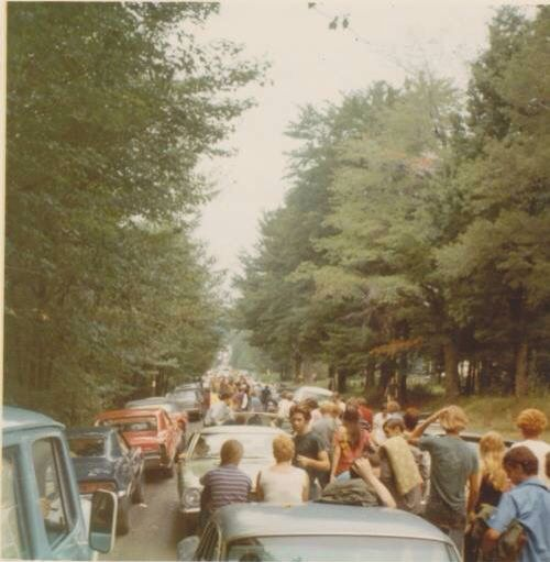 the woodstock concert in 1969 and its impact on american culture and society Take a blast from the past trip to the infamous woodstock three day concert woodstock 1969 this girls face woodstock festival 1969 woodstock hippie culture hippie flowers rock have since studied the festivals wider impact on society viewed the festival as a place which inspired.