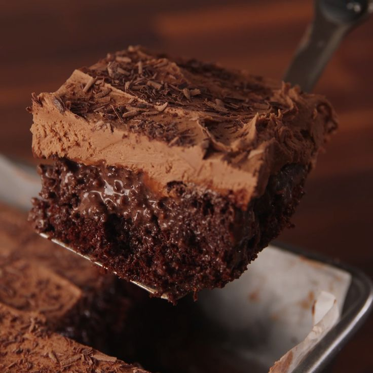 Chocolate On Chocolate Poke Cake- Veganize this, I would die for this made with Kahlúa!