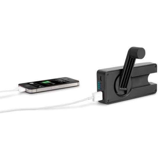 Para situações de emergência, recarga de bateria do celular... à manivela.