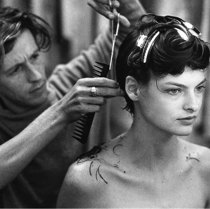 #TBT: Hairstylist Julien d'Ys Remembers the Making of Linda Evangelista's Signature '90s Bob