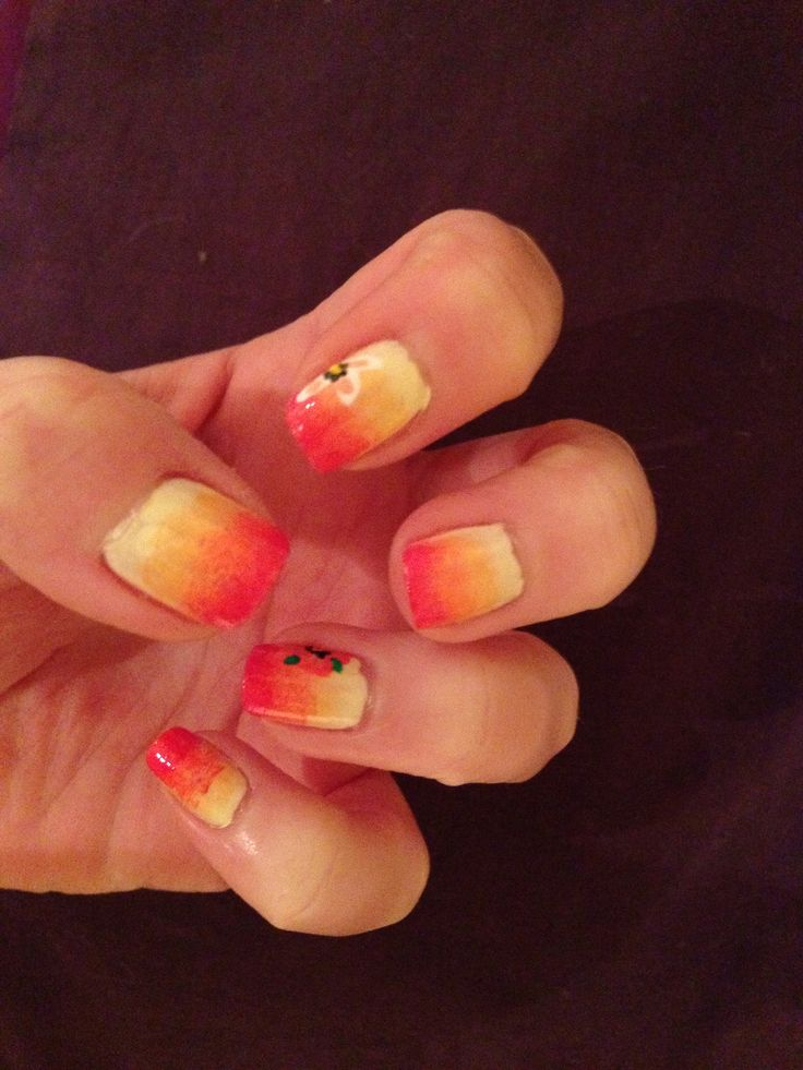 Tropical nails with flowers