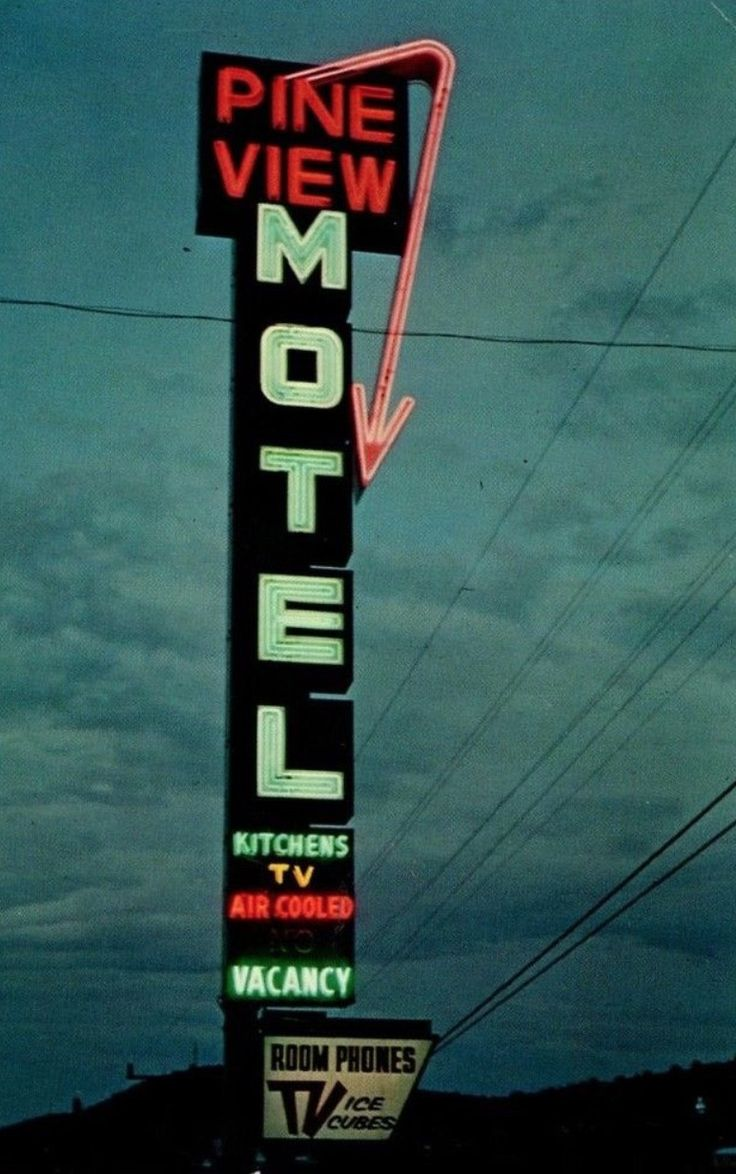 53 best Signs images on Pinterest | Vintage neon signs, Neon signs ...