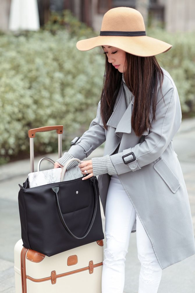 605c0633f6 Wardrobe Staples for Traveling Light | my style (extrapetite.com) | Best  tote bags, Tote bags for school, Laptop tote bag