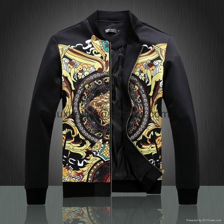 Established in , Gianni Versace is known the world over as a premium label for both men's and women's fashion. Versace offers a variety of exclusive designs for the fashion conscious. The selection of Versace clothing for men from Stylight offers coats, t-shirts, suit jackets, and more.