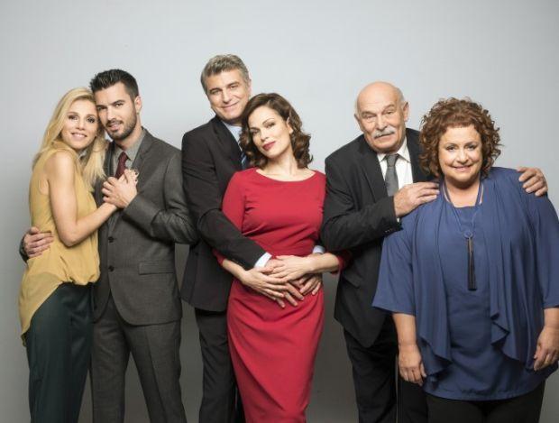 Μην αρχίζεις τη μουρμούρα είναι ο τίτλος ελληνικής κωμικής τηλεοπτικής σειράς παραγωγής 2013-2016, η οποία είναι βασισμένη στην Ισπανική σειρά Escenas De Matrimonio των Mediaset España & Alba Adriática, και προβάλλεται από τον τηλεοπτικό σταθμό Alpha