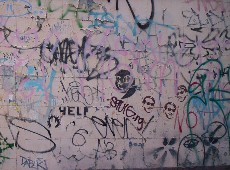 Graffiti_wall_Melbourne_2005.jpg (2080×1544)