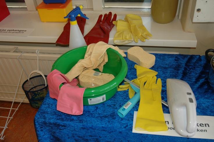 Materialen bij de grote schoonmaak! Spel, de motor van de ontwikkeling. Leer meer over spel. www.jongekind.com