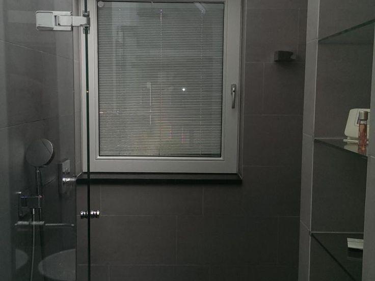 Ideale en hygiënische oplossing voor de badkamer | Jaloezieën tussen het glas is ook een hygiënische oplossing voor de badkamer. Van alle gemakken voorzien en eenvoudig schoon te maken.