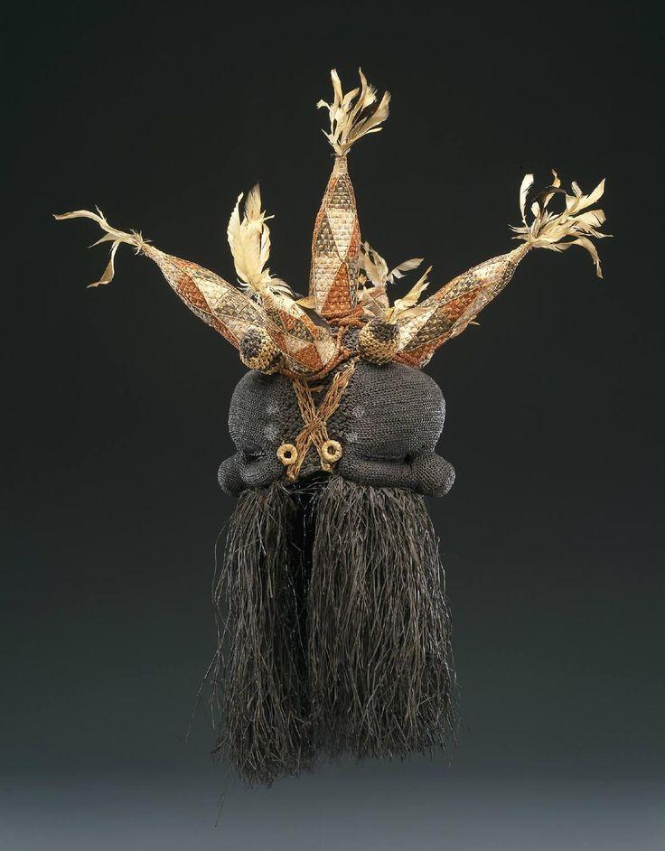 Janus mask (Idangani Society),Democratic Republic of the Congo, Salampasu people,20th century  Fiber, raffia, pigment, feathers(91.44 x 73.66 x 73.66cm)  Dallas Museum of Art