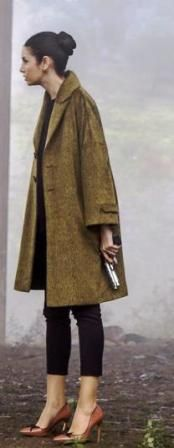 Paramparça 44. bölüm kıyafetleri Candan siyah pantolon,ayakkabı ve palto