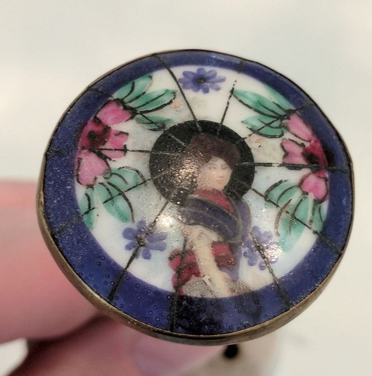 "Antique Painted Porcelain Asian Lady Hat Pin ~ Vintage 1.5"" Button Size Pin ~ !!  