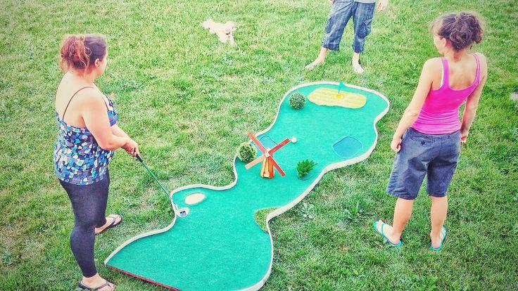 10 id es propos de mini golf sur pinterest putt putt jeux de la cour et jeux de jardin. Black Bedroom Furniture Sets. Home Design Ideas