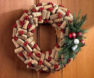 Cork wreath. Awesome idea!!!