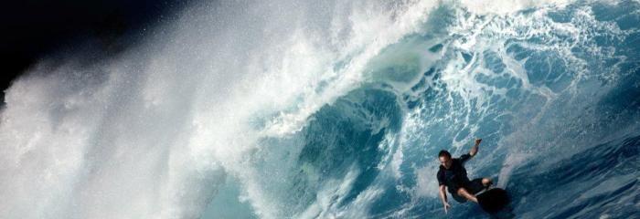 """Profi-Surfer Sebastian Steudtner instruiert Sie im """"Stand Up Paddle Surfing"""" und lässt Sie an seinen extremen Erfahrungen teilhaben!  http://www.sports-proemotion.de/angebot/stand-up-paddle-surfing/"""