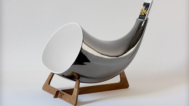 I need one of these. No power necessary. Enandis_megaphone