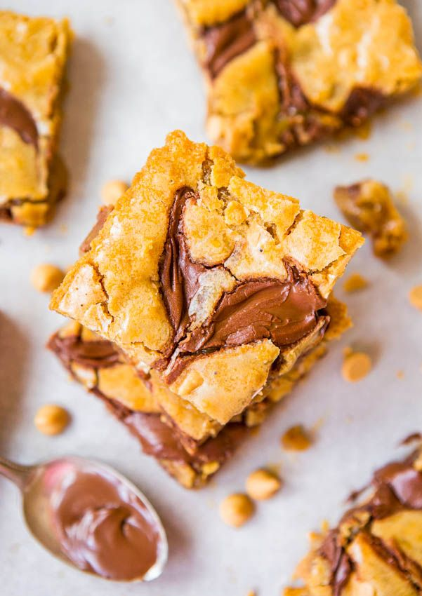 Nutella-Swirled Peanut Butter Chip Blondies - Easy One-Bowl No-Mixer Recipe at averiecooks.com