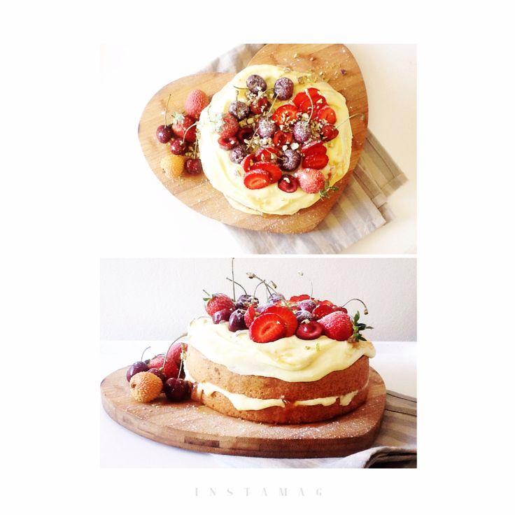 Amarula cake w litchi x marula marmalade x fresh berries x creamy Amarula frosting