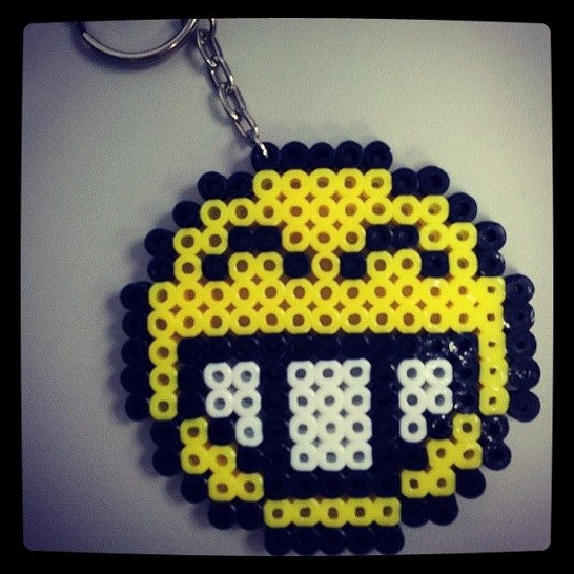 Smiley keychain perler beads by shirley117