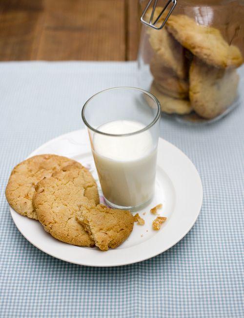 Koekjes met abrikoos, gember en witte chocolade