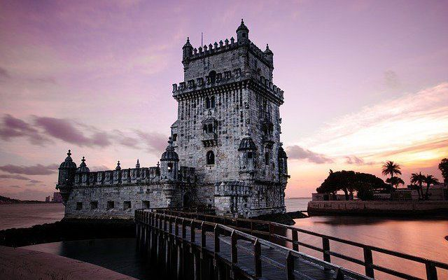 Tutto ciò che c'è da sapere per andare a studiare in Portogallo Hai voglia di fare un'esperienza all'estero e magari di approfittarne per imparare una nuova lingua? Ti piacerebbe studiare in un'università europea prestigiosa?  Se stai pensando di andare in Port #viaggi #lingue #studenti #guida