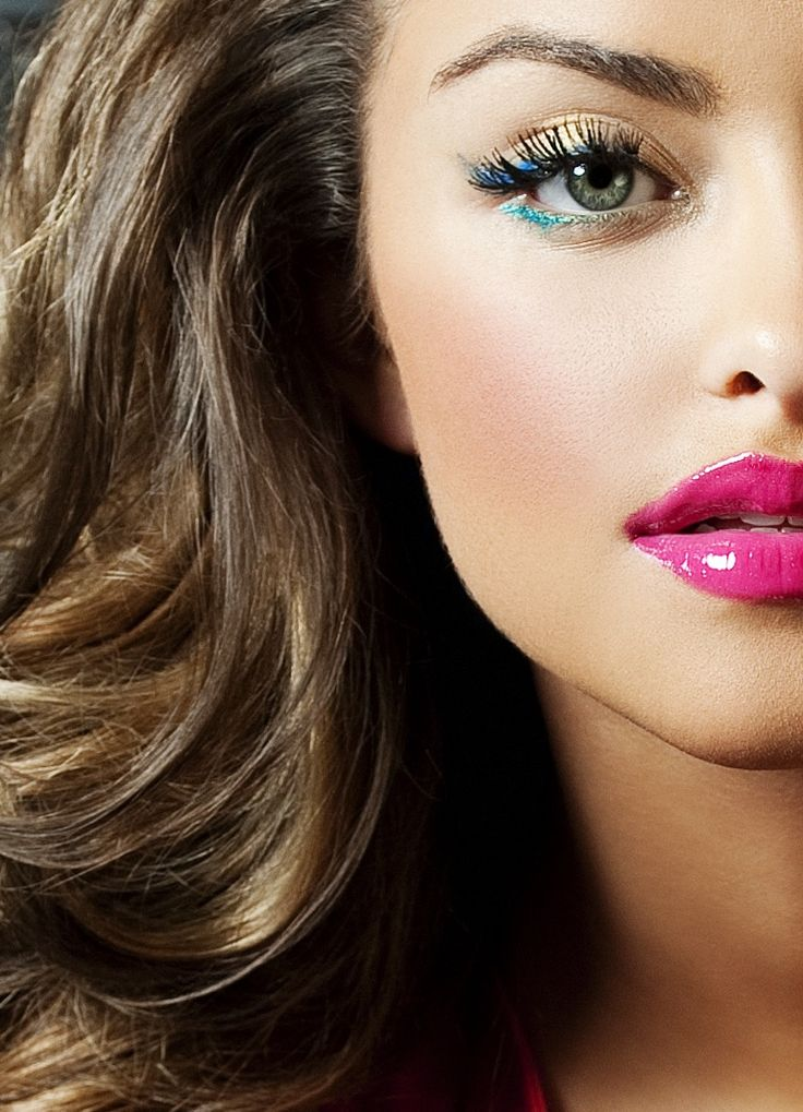Blue, teal eye shadow & pink lipstick. Going to see if i can pull this off