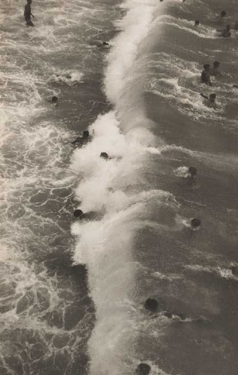 Harold Cazneaux | Sydney Surfing 1929 | Bondi | body surf | wave | 1920's | Australia | crowded | summer | beach | ocean | photographer | www.republicofyou.com.au
