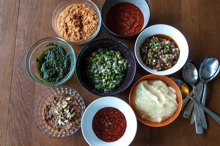 Μη ξεχνάτε τη σημασία που έχει μία συνοδευτική σάλτσα! Μπορεί να απογειώσει ένα γεύμα!   Έφτιαξα για εσάς, υπέροχες συνταγές με σως από όλο τον κόσμο για να συνοδέψετε τα ψάρι...
