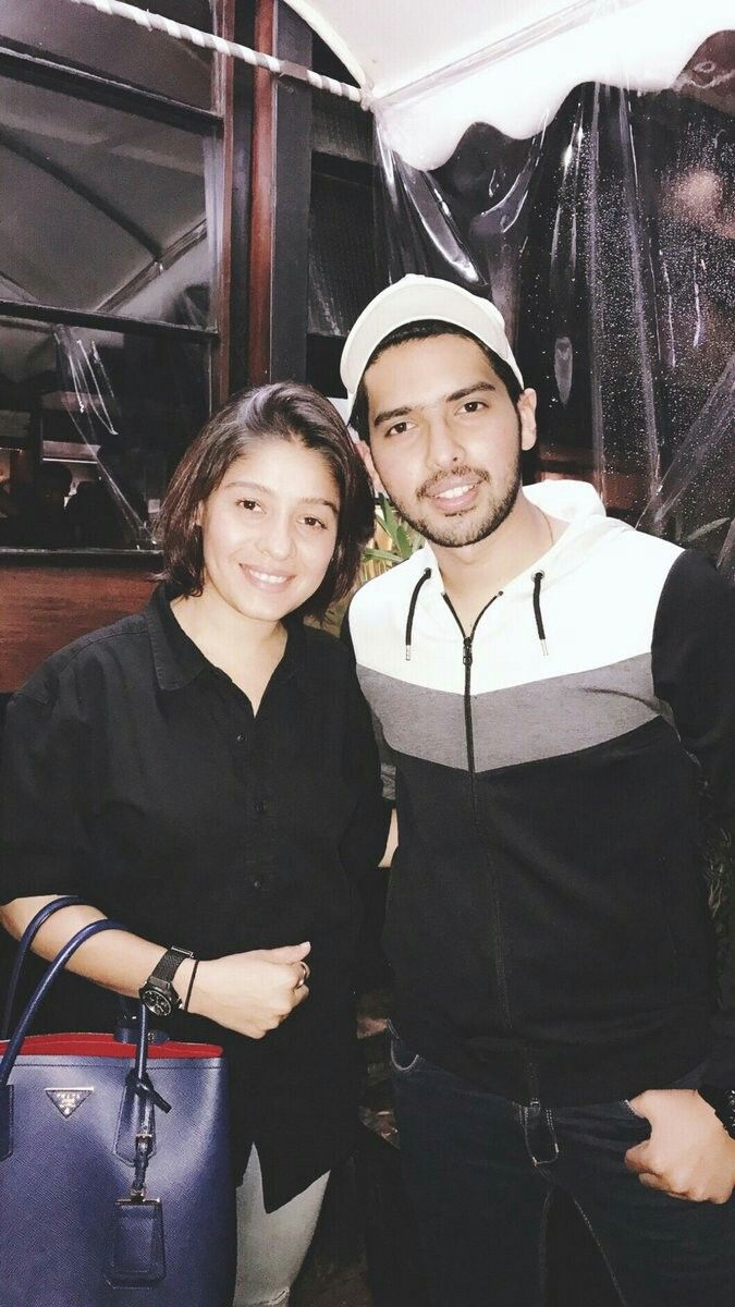 Chill time with Sunidhi Chauhan
