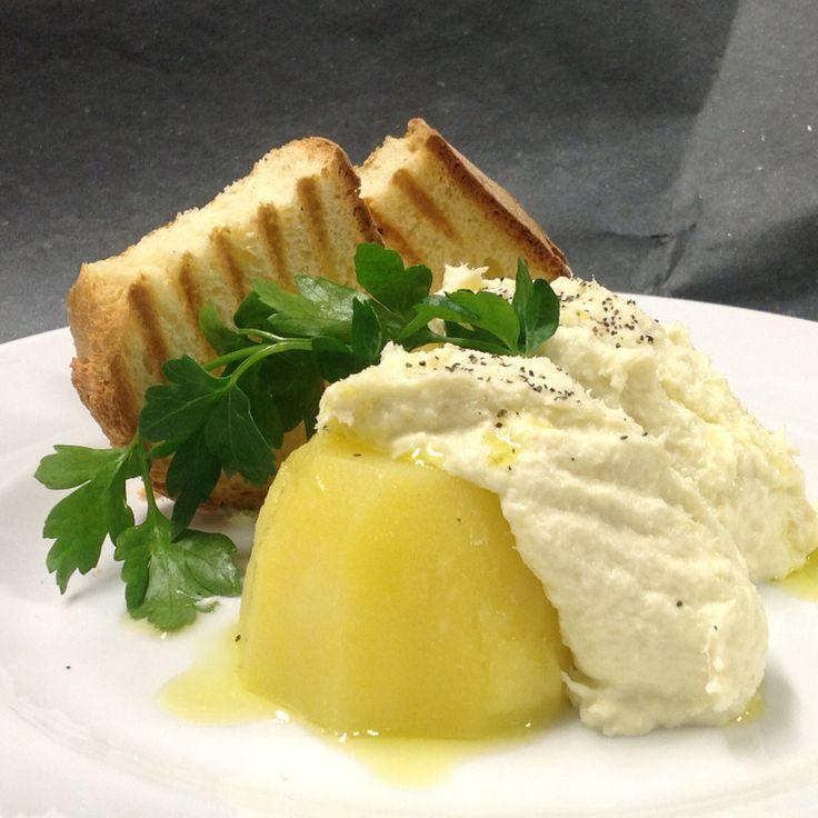 Baccalà mantecato con patate e crostini caldi.. In menù rinascente Milano