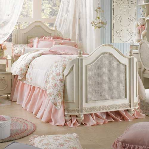 beautiful little girl bedding | Baby discussion for Moms: Bedding Set - A great way to revamp look of ...