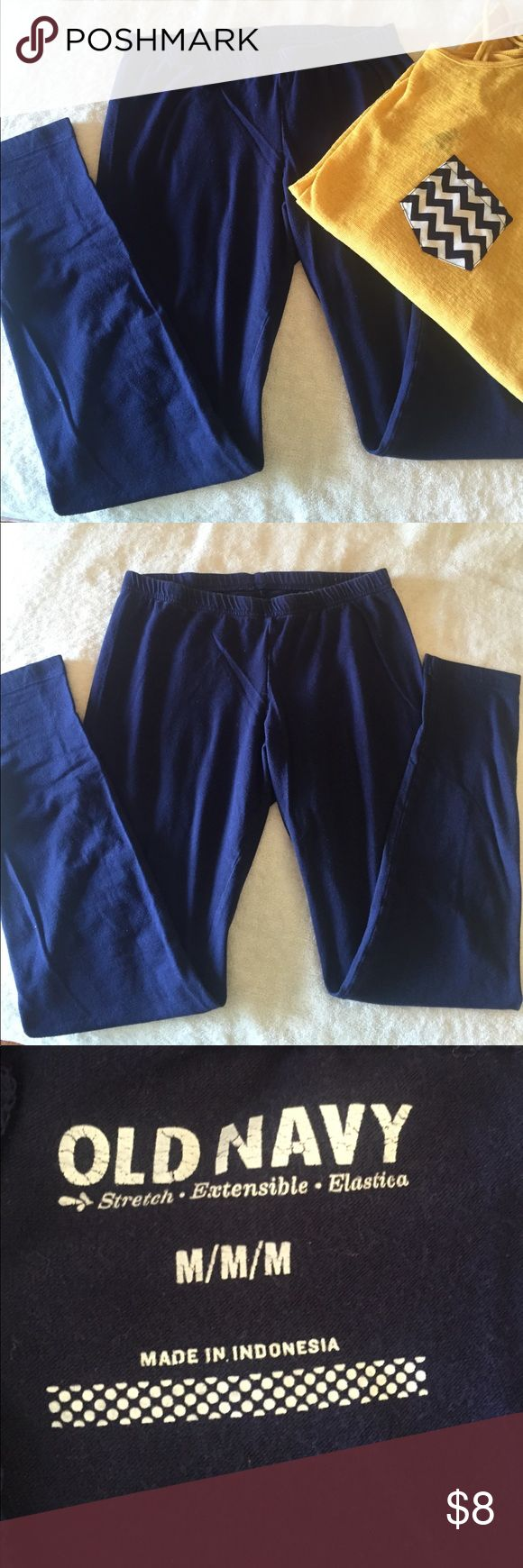 Old Navy Blue leggings Blue leggings. Old Navy. Size medium. 96% cotton and 4% spandex. Mustard yellow shirt with chevron pocket also available. Smoke free home. Old Navy Pants Leggings